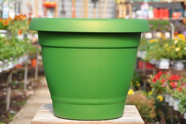 כלי פלסטיק איכותי לגינה. משתלת מרמלשטיין